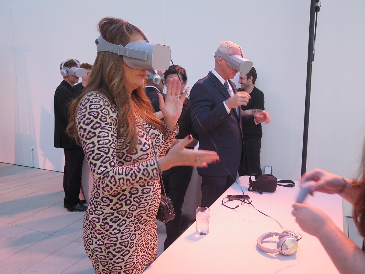 woman wearing oculus rift