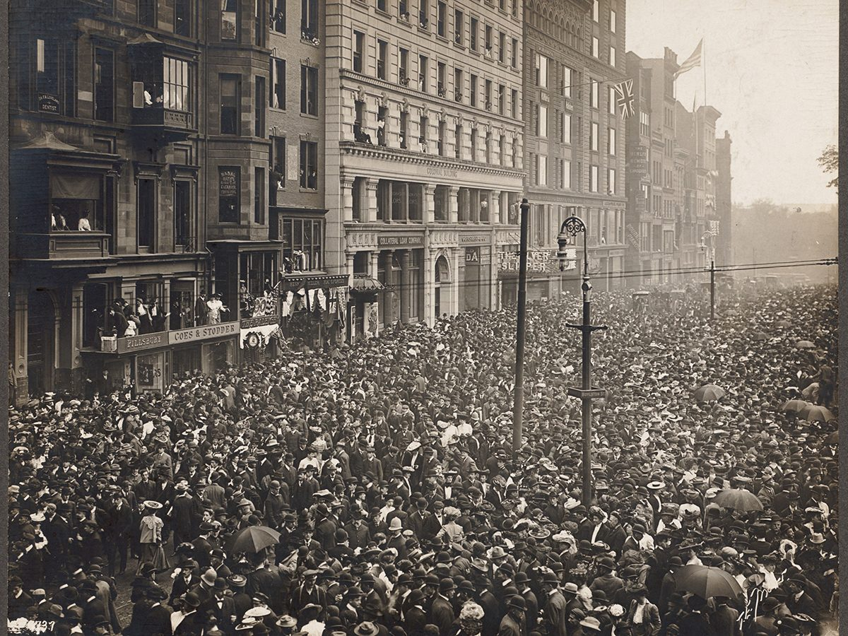 Huge crowd in early 20th century dress on Boylston Street