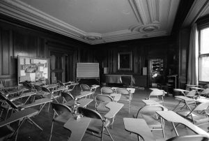 150 Beacon Street classroom in 1980 (Photo from Emerson Archives)