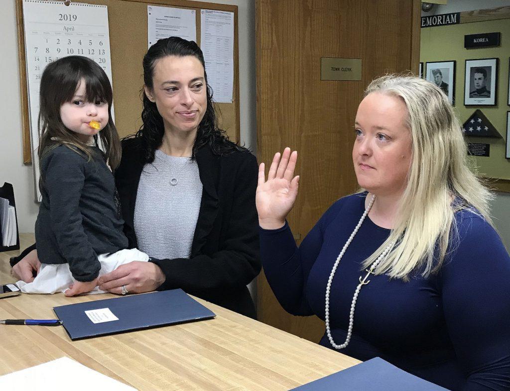 Keri Thompson sworn into the Cohasset Board of Selectmen