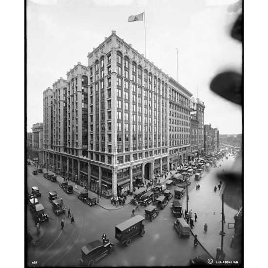 The Little Building from July 1920 (Photograph by Leon H. Abdalian in Boston Public Library Archives)