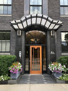 The front entrance to 6 Arlington Street in 2019.