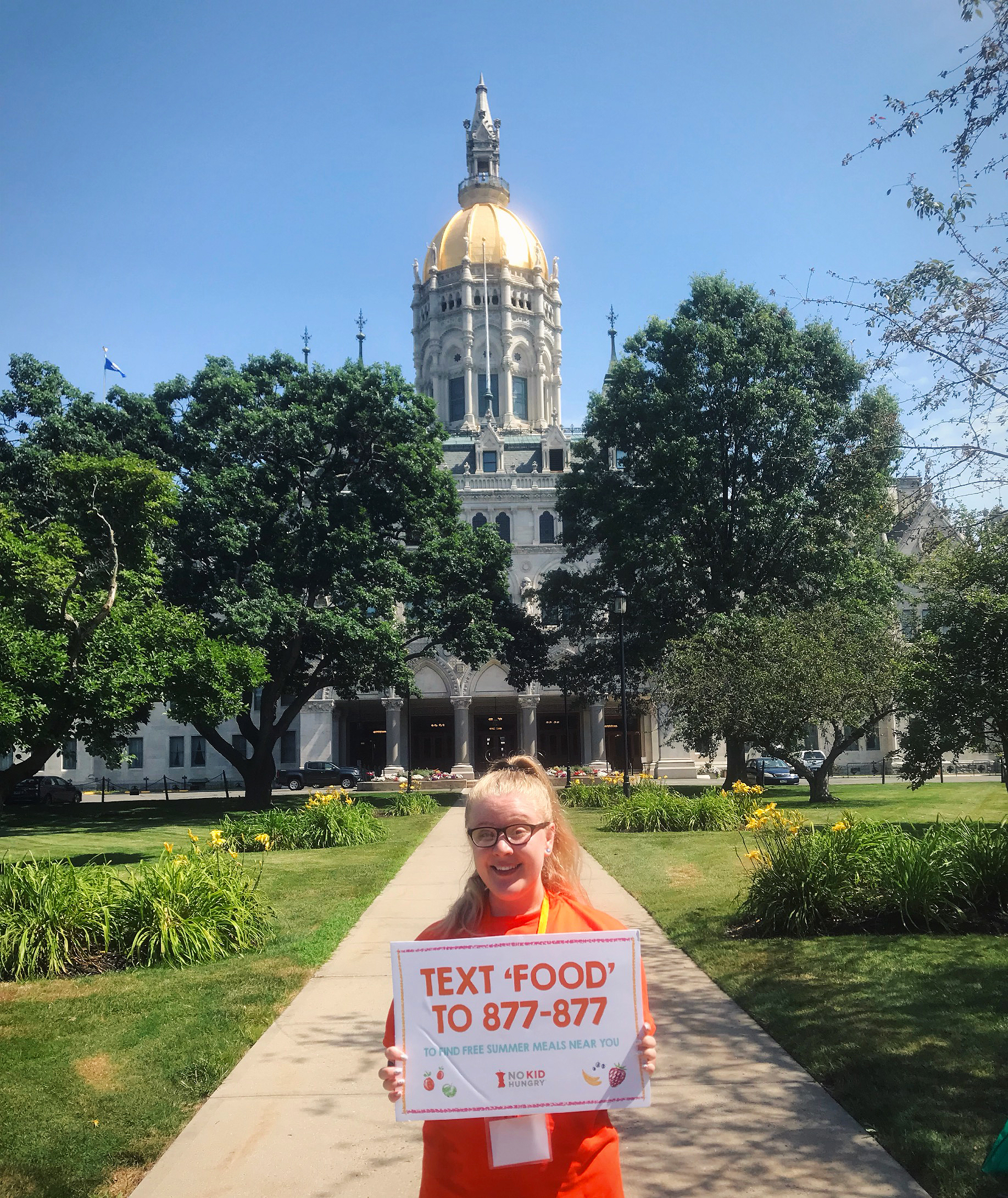 Katelyn Shappy outside of the Connecticut capital building