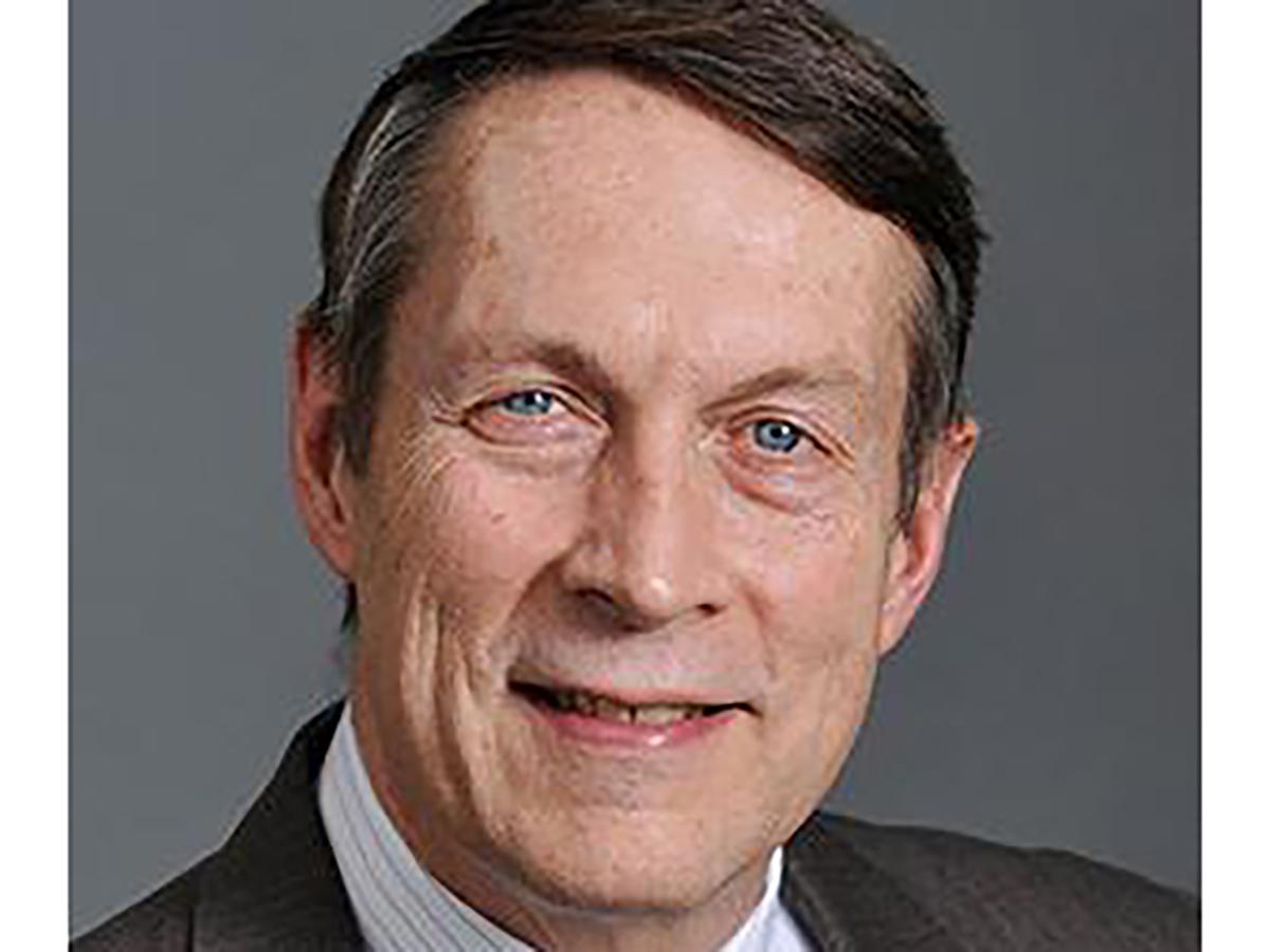 Senior Journalist-in-Residence Doug Struck headshot
