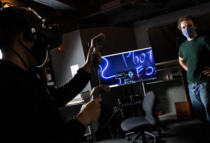 students work in virtual reality studio